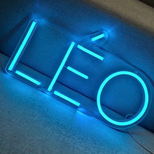 Placa Personalizada Neon LED Azul Gelo- Nome ou palavra com 3 Letras