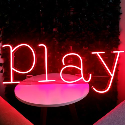 Placa Personalizada Neon LED Vermelho - Nome ou palavra com 4 Letras