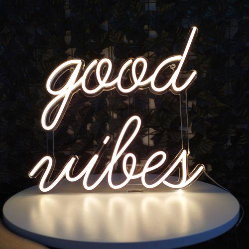placa-letreiro-neon-de-led-personalizado-branco-quente-good-vibes